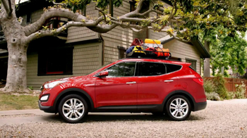 2013 Hyundai Santa Fe TV Spot, '10 Years: Family' - Thumbnail 3
