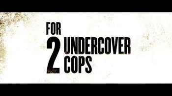 2 Guns - Alternate Trailer 16