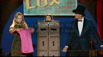 Gildan TV Spot, 'Magic Show' - Thumbnail 10