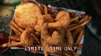 Popeyes Hushpuppy Butterfly Shrimp TV Spot, 'Seafood Joint' - Thumbnail 6