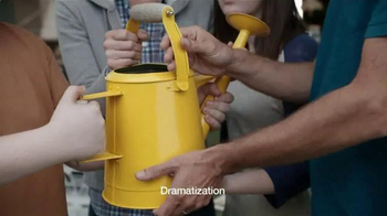 Krylon COVERMAXX TV Spot, 'Yard Sale Hijack: Old Watering Can' - Thumbnail 2