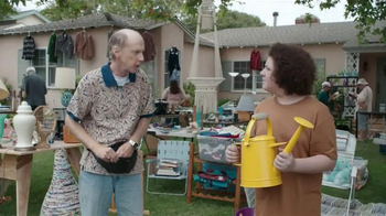Krylon COVERMAXX TV Spot, 'Yard Sale Hijack: Old Watering Can'