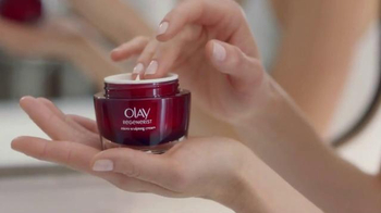 Olay TV Spot, 'What Matters Most' - Thumbnail 5
