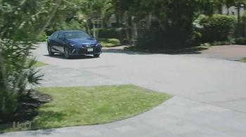 2015 Toyota Camry TV Spot, 'USA Network: Graceland' - Thumbnail 1