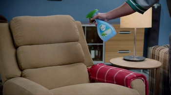 Febreze Fabric Refresher TV Spot, 'Nose Blind: Man Cave' - Thumbnail 5