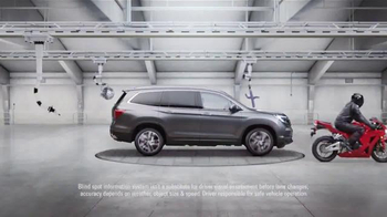 2016 Honda Pilot TV Spot, 'The Incredible Pilot Elite' - Thumbnail 2