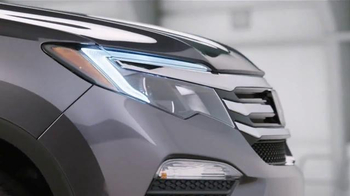 2016 Honda Pilot TV Spot, 'The Incredible Pilot Elite' - Thumbnail 7