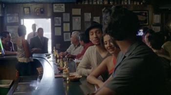 Modelo Especial TV Spot, 'Bar' [Spanish] - Thumbnail 1