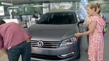 2015 Volkswagen Passat TV Spot, 'Model Year End Sales Event: Hot Deals' - Thumbnail 6