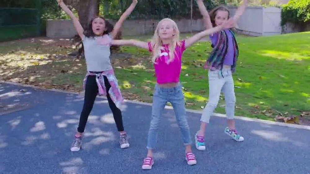 SKECHERS Twinkle Toes TV Commercial, 'Dance Party With the Girls'