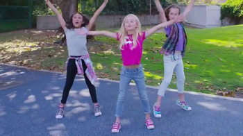 SKECHERS Twinkle Toes TV Spot, \'Dance Party With the Girls\'
