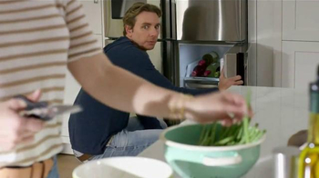 Samsung Home Appliances TV Spot, 'Wine Over Gravy' Ft. Kristen Bell - Thumbnail 2