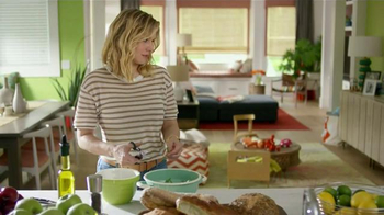 Samsung Home Appliances TV Spot, 'Wine Over Gravy' Ft. Kristen Bell - Thumbnail 4