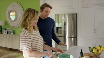 Samsung Home Appliances TV Spot, 'Wine Over Gravy' Ft. Kristen Bell - Thumbnail 5