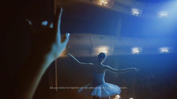 ACUVUE TV Spot, 'On Stage' - Thumbnail 4