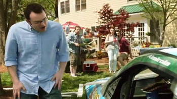 Eckrich Smoked Sausage TV Spot, 'Grill Time' Featuring Aric Almirola - Thumbnail 9