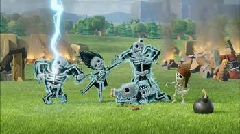 Clash of Clans TV Spot, 'Shocking Moves'