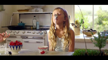 Chobani TV Spot, 'To Love This Life is to Live It Naturally: Kids' - Thumbnail 4