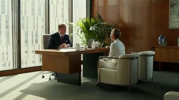 Priceline.com TV Spot, 'First Negotiation' Ft. Kaley Cuoco, William Shatner - Thumbnail 3