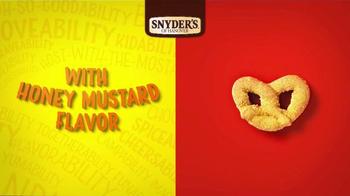 Snyder's of Hanover Honey Mustard & Onion Pretzel TV Spot, 'Burstability' - Thumbnail 3