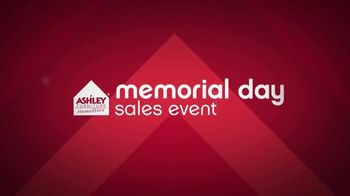 Ashley Furniture Homestore Memorial Day Sales Event TV Spot, 'No Interest'