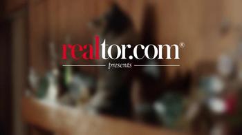 Realtor.com TV Spot, 'Real Estate in Real Time: Jim' Feat. Elizabeth Banks - Thumbnail 1
