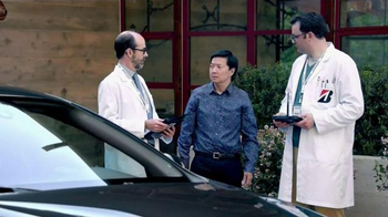 Bridgestone Ecopia Plus Tires TV Spot, 'Vegas' Featuring Ken Jeong - Thumbnail 4
