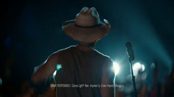 Corona Light TV Spot, 'Concert' Featuring Kenny Chesney - Thumbnail 2