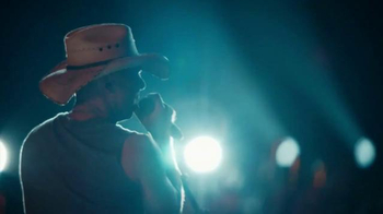 Corona Light TV Spot, 'Concert' Featuring Kenny Chesney - Thumbnail 5