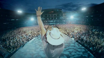 Corona Light TV Spot, 'Concert' Featuring Kenny Chesney - Thumbnail 7
