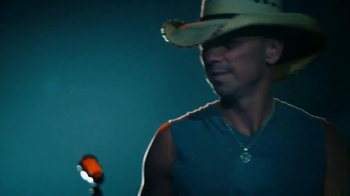 Corona Light TV Spot, 'Concert' Featuring Kenny Chesney - Thumbnail 8