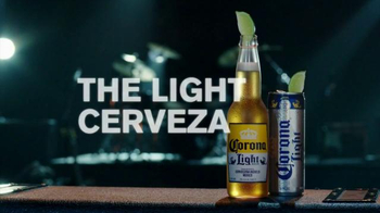 Corona Light TV Spot, 'Concert' Featuring Kenny Chesney - Thumbnail 9