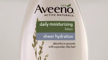 Aveeno Sheer Hydration TV Spot, 'Piel Suave' Con Jennifer Aniston [Spanish] - Thumbnail 2
