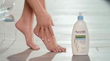 Aveeno Sheer Hydration TV Spot, 'Piel Suave' Con Jennifer Aniston [Spanish] - Thumbnail 4