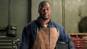 Gold Bond Powder Spray TV Spot, 'Hard Working Nation' Ft. Shaquille O'Neal - Thumbnail 4