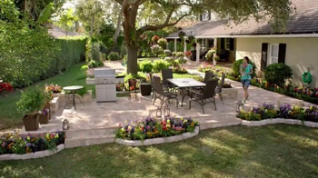 The Home Depot TV Spot, 'Juntemonos Afuera' [Spanish] - 319 commercial airings