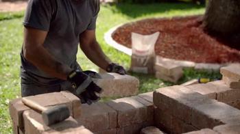 The Home Depot TV Spot, 'Juntemonos Afuera' [Spanish] - Thumbnail 6