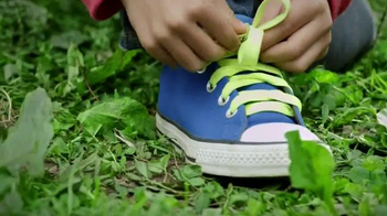 Famous Footwear TV Spot, 'The Shoe Tying Song' - Thumbnail 5