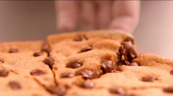 Pizza Hut Ultimate Hershey's Chocolate Cookie TV Spot - Thumbnail 6