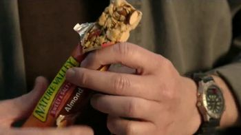 Nature Valley Sweet & Salty Nut TV Spot, 'Sweet and Salty Hike' - Thumbnail 9