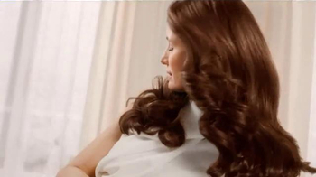 L'Oreal Paris Excellence Creme TV Spot Featuring Andie MacDowell - Thumbnail 8