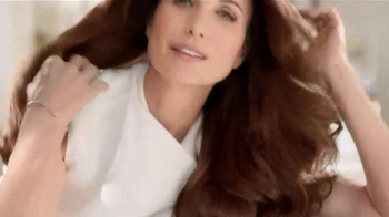 L'Oreal Paris Excellence Creme TV Spot Featuring Andie MacDowell - Thumbnail 4