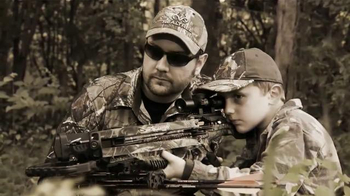 Buck Commander Recurve TV Spot, 'Generations'