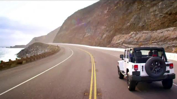 2014 Jeep Cherokee Sport TV Spot, 'Summer' Song by Michael Jackson - Thumbnail 7