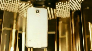 Samsung Galaxy S5 TV Spot, 'Gold' Song by Iggy Azalea - Thumbnail 7