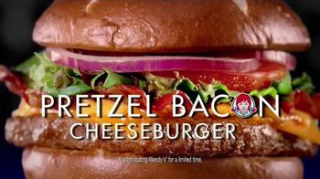 Wendy's Pretzel Bacon Cheeseburger TV Spot, 'Movie Under the Stars' - Thumbnail 9