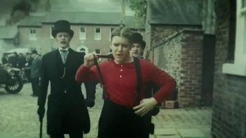 Chevrolet TV Spot, 'The History of the Manchester United Shirt' - Thumbnail 3