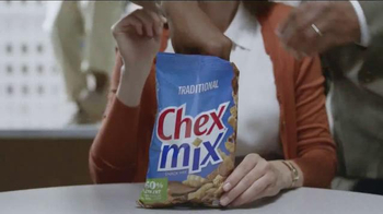 Chex Mix TV Spot, 'Decoy Bag' - Thumbnail 2