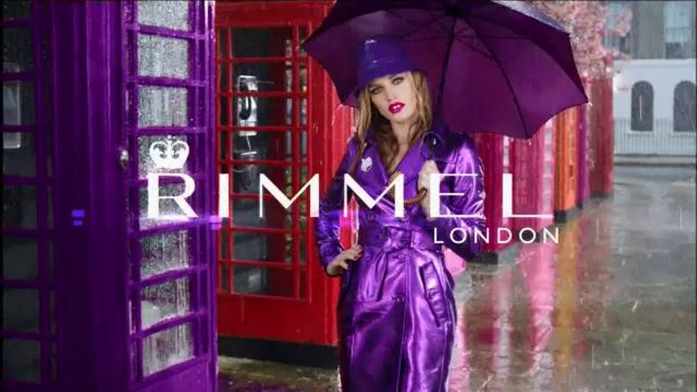 Rimmel London Moisture Renew TV Commercial, 'Get Drenched' Featuring Georgia May Jagger