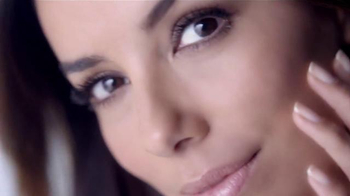 L'Oreal Paris Revitalift Miracle Blur TV Spot, 'You Won't Believe Your Eyes' Featuring Eva Longoria - Thumbnail 9